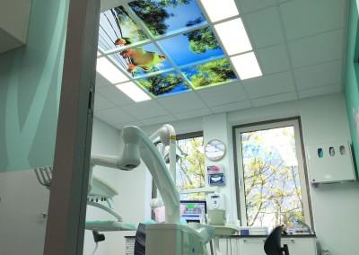 Een Moodpanelen wolkenplafond bij de tandarts