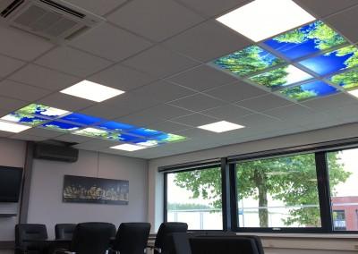 Twee Moodpanelen plafonds op kantoor